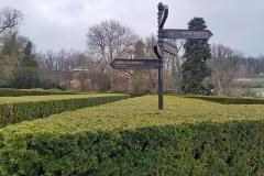 Zámecká zahrada bez lidí...